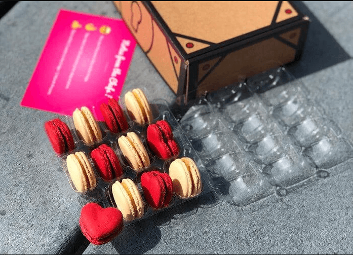 macarons-subscription-box